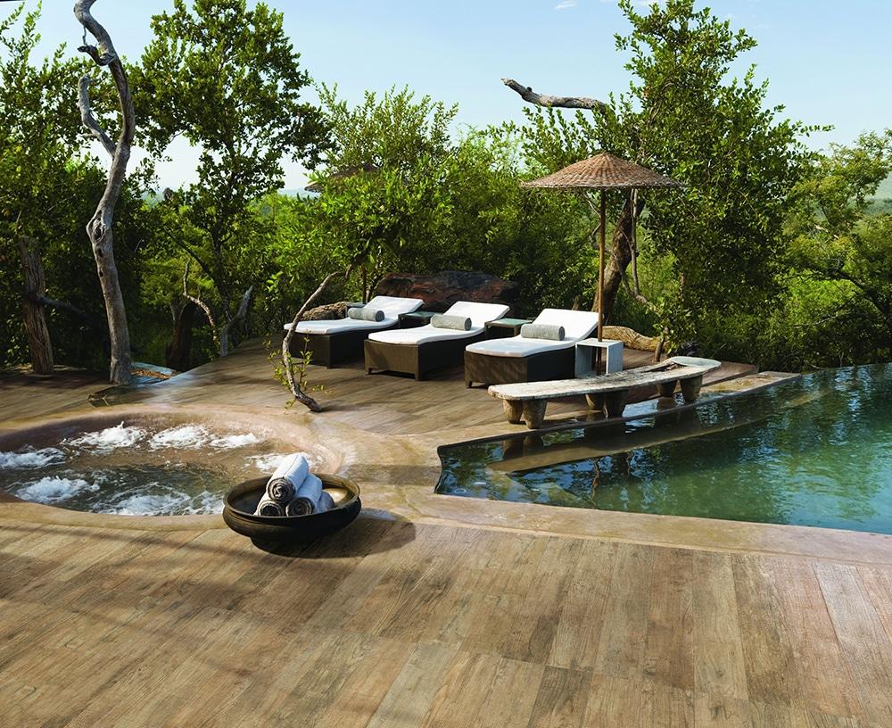 Poolbereich einer privaten Villa